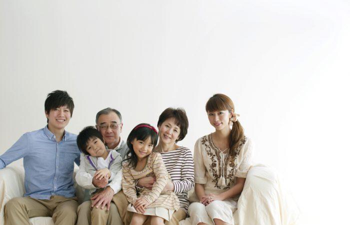 矯正治療をする家族